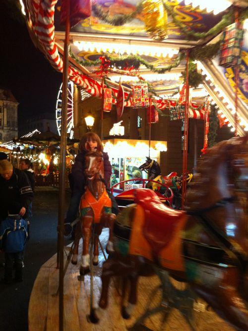 Riesenrad beim Weihnachtsmarkt Magdeburg