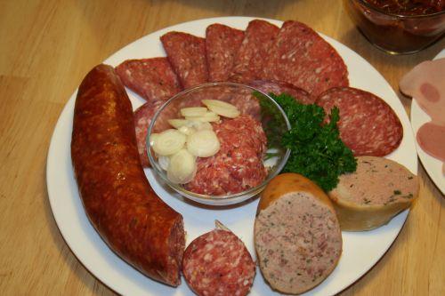 Leckere Wurst vom Fleischer Titze in Meitzendorf und Gutenswegen