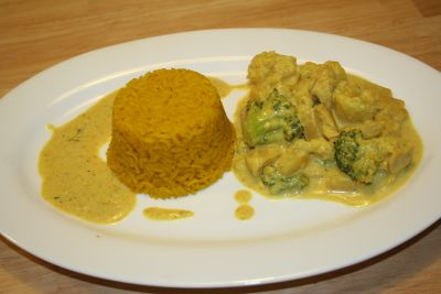 Guten Appetit: Curry-Geschnetzeltes mit Safran-Reis